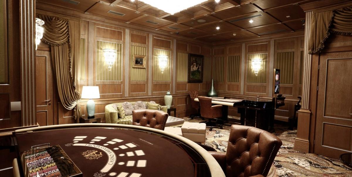 Казино гостиницы тбилиси как играть в карты человек паука